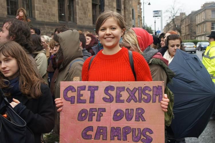 Tüntetés az egyetemi szexizmus ellen, Cambridge (fwsablog.org.uk/)