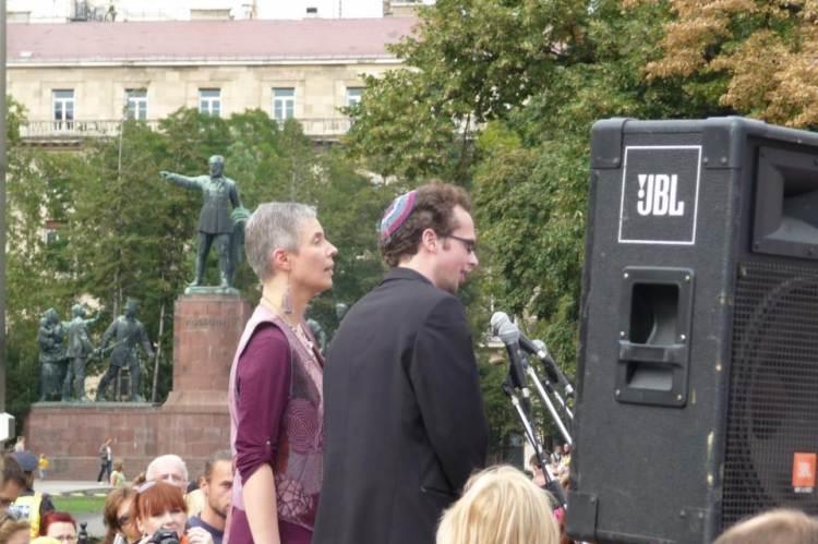 A Szim Salom Hitközség tagjai a Nők Lázadása tüntetésen (Fotó: Mindenki Joga Radio Show)