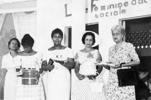Haiti feministák 1950-ben, a jobb szélen Alice Garoute