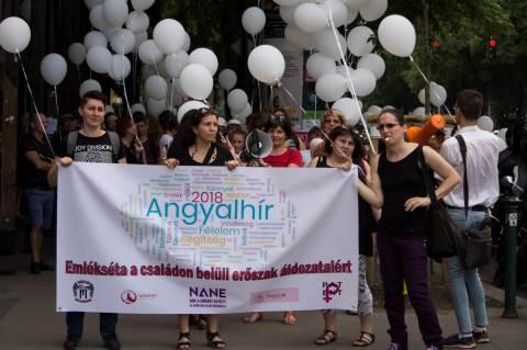 Seres Barbarával az élen indul az Angyalhír 2018 felvonulás (fotó: Borsos Borbála)