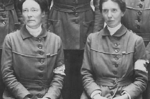 Louisa Garrett Anderson és Flora Murray (jobbra)