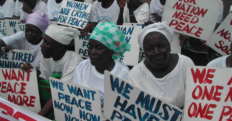 Libériai nők tüntetnek a békéért
