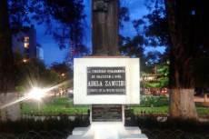 Adela Zamudio bolíviai feminista szobra hazájában